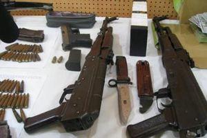 Bắt nghi can mua súng từ trung úy công an