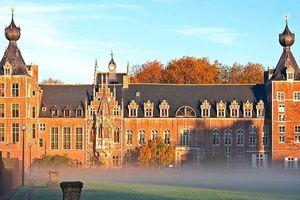 Bên trong 15 trường đại học đẹp nhất thế giới