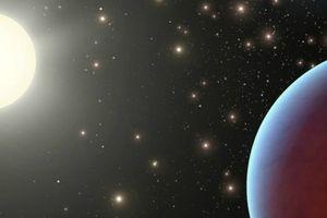 Kinh ngạc hành tinh tối đen, hút hết 99% ánh sáng