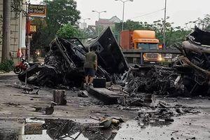 Hải Phòng: Hoảng hồn 'hung thần' container đâm nhau, nổ cháy dữ dội