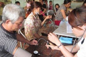 Sơn La: Khám bệnh, cấp thuốc miễn phí cho gần 400 người dân
