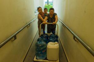 Dân chung cư cao cấp điêu đứng mất nước sinh hoạt