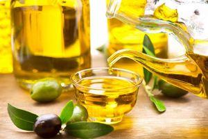 Dùng dầu oliu theo cách này, bạn dễ bị hạ huyết áp và đột quỵ