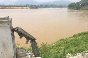 Tuyên Quang: Bờ kè sông Lô sạt lở ai chịu trách nhiệm?