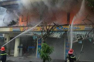 Quảng Ninh: Nhà hàng bốc cháy dữ dội, thiệt hại hàng trăm triệu đồng