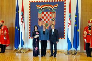 Đại sứ Nguyễn Tiến Thức trình Quốc thư lên Tổng thống Croatia
