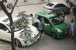 Cư dân mạng phẫn nộ trước hành vi của thanh niên đánh tài xế taxi