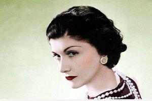Coco Chanel: Từ trẻ mồ côi đến biểu tượng quyền lực giới thời trang