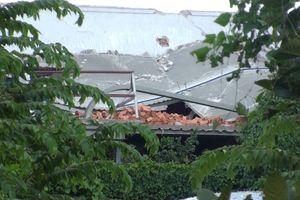 Sàn bê tông sập đè chết 2 công nhân
