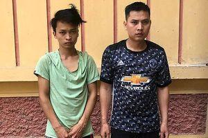 Hai người đàn ông mang ma túy đến vùng sâu, vùng xa để bán