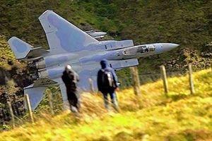 Báo Mỹ: Tiêm kích Su-27 không đủ sức đối đầu với F-15