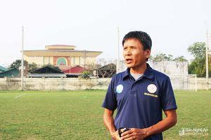 HLV CLB Khánh Hòa e ngại tiền vệ Phan Văn Đức của SLNA