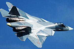 Siêu tiêm kích Su-57 Nga 'tranh hùng' với F-22 Mỹ