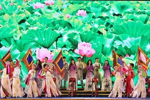 Nghệ An: Khai mạc lễ hội Làng Sen 2018