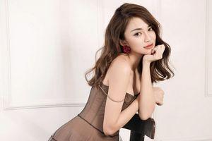 Khoe vai trần, Thiên Nga gợi cảm trong bộ ảnh mới