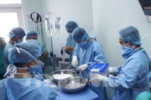 Bệnh viện Trung ương Huế thực hiện thành công ca ghép tim xuyên Việt