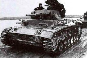 Quân đội Liên Xô và Đức Quốc xã 'trao đổi' xe tăng với nhau