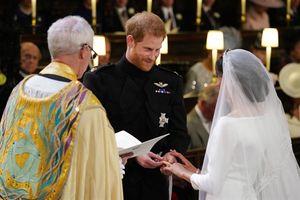 Cận cảnh nước Anh tưng bừng đón Lễ cưới Hoàng gia