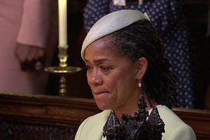 Video mẹ cô dâu Meghan Markle nén nước mắt trong lễ cưới Hoàng gia