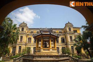 Khám phá cung điện cực tráng lệ của vua Khải Định ở Huế