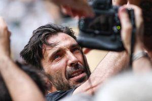 Buffon khóc nghẹn trong ngày chia tay Juventus