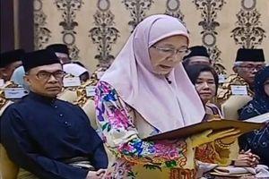 Nữ Phó Thủ tướng đầu tiên trong lịch sử Malaysia tuyên thệ nhậm chức
