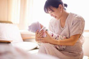 Quân nhân chuyên nghiệp có được hưởng chế độ thai sản khi vợ sinh con không?