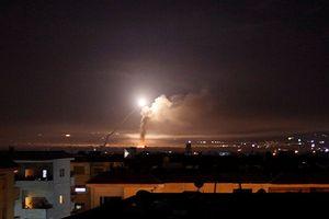 Xuất hiện nhiều tiếng nổ lớn bất thường ở nam Damascus, Syria lại bị tấn công?