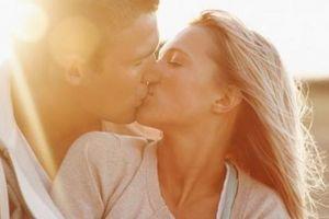11 dấu hiệu cho thấy chàng đang 'phát điên' vì yêu