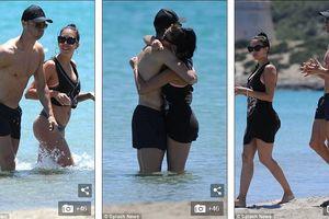 Khoảnh khắc tình tứ trên biển của Cristiano Ronaldo và bạn gái