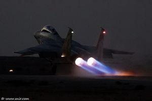 Máy bay liên quân tiếp tục tấn công, phòng không Nga-Syria bất lực?