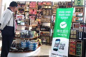 Quảng cáo WeChat Pay trái phép tại sân bay Liên Khương