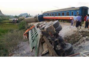 Tin mới vụ lật tàu hỏa ở Thanh Hóa: 2 người chết, nhiều người bị thương