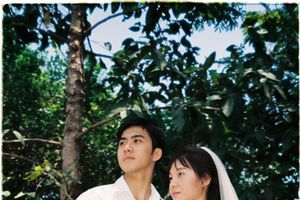 Ngây ngất với bộ ảnh cưới 'chất như phim Hong kong' của cặp đôi 9X