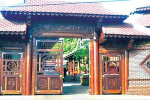 Đua nhau dựng nhà gỗ 'khủng' ở Gia Lai, Kon Tum