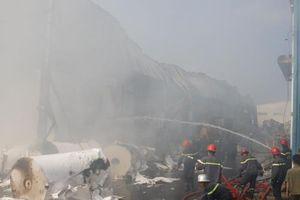 Cháy lớn thiêu rụi kho hàng của Công ty may Nam Tiệp, Nam Định
