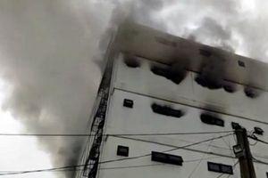 Hà Tĩnh: Cháy lớn tại quán karaoke Kingdom, chưa xác định được thương vong về người