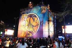 Bức tường Tiger tại Cần Thơ cán mốc 100.000 người tham gia