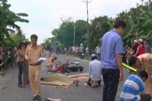 Hai xe máy tông nhau ở Bến Tre, 2 vợ chồng chết thương tâm