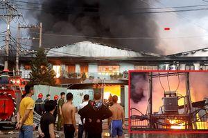 2 công ty bốc cháy dữ dội, thiêu rụi 1.700m2 nhà xưởng lúc rạng sáng