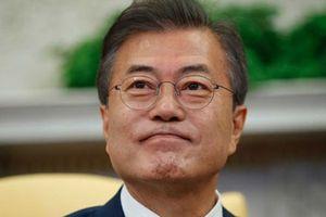 Cựu bộ trưởng Mỹ nói ông Moon xứng đáng nhận giải Nobel Hòa bình hơn ông Trump