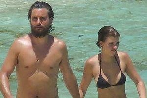 Sofia Richie gợi cảm với bikini 2 mảnh, tình tứ bên bạn trai