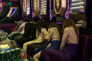 Phó Chủ tịch UBND TPHCM: Không cách nào dẹp trò khiêu dâm ở khách sạn