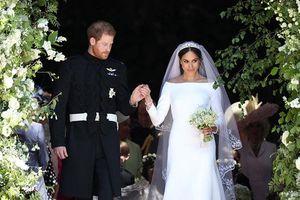 NTK tố váy cưới của Meghan Markle là đạo nhái bị dân mạng chỉ trích