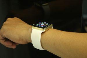 Apple Watch mạ vàng 18K giá chỉ 1.000 USD