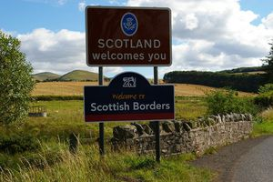Nhiều giúp việc bỏ chạy khỏi ngôi nhà ma ám ở Scotland