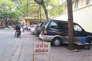 Phường Cát Linh (quận Đống Đa, Hà Nội): Ai 'đút túi' hàng chục triệu đồng 'phí gửi xe' mỗi tháng tại bãi xe trái phép?