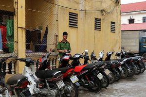 Bắc Giang: Bắt giữ ổ nhóm liều lĩnh trộm cắp xe máy tại UBND xã