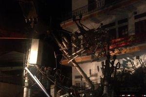 Xe tải húc đổ trạm biến áp, 4 người thương vong, đảo Cát Bà mất điện toàn bộ