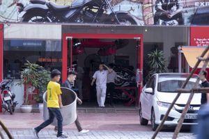 Loạt nhà hàng, cơ sở kinh doanh trên đường Nguyễn Khánh Toàn bị cưỡng chế